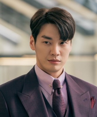 The-Secret-Life-of-My-Secretary-kim-young-kwang-42780259-666-968